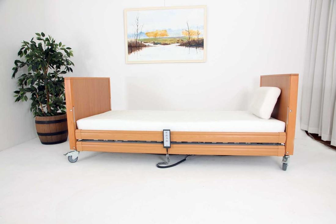 QQQ467 UNIEKE AANBIEDING: NIEUW Extra laag (dus ideaal voor rolstoel gebruikers) Wilhelmina 90 x 200 hoog laag bed